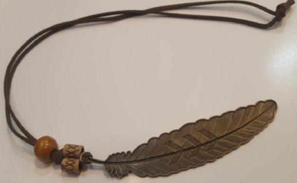 گردنبند تک مهره چوبی برگ فلزی